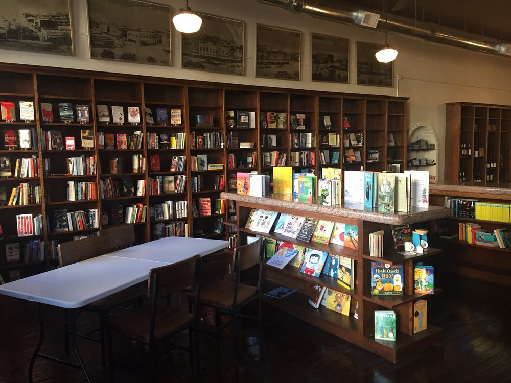 Argos Brewhouse & Bookseller: 209 Oak St, Sweetwater, TX