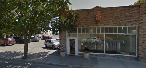 Johnnie's Cleaners: 1937 Blossom St, Dos Palos, CA