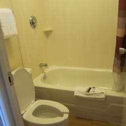 Photo Of Red Roof Inn Allentown Airport   Bethlehem, PA, United States.  Bathroom