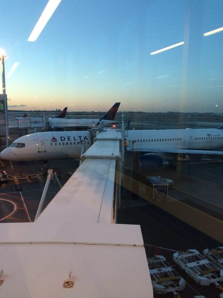 Delta Air Lines Reviews and Flights