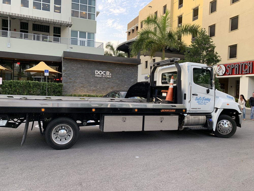 Towing business in Oakland Park, FL