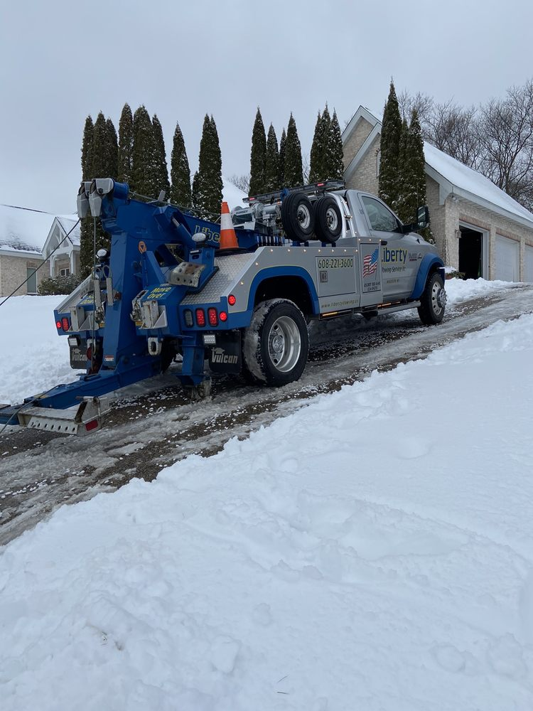 Towing business in Windsor, WI
