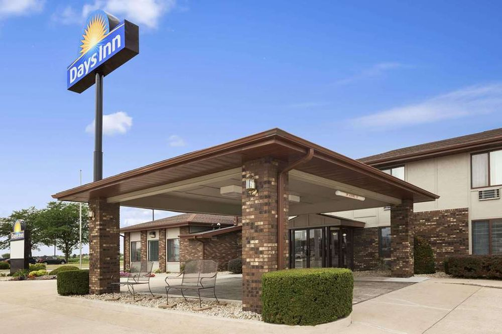 Days Inn by Wyndham Oglesby/ Starved Rock: 120 North Lewis Ave, Oglesby, IL
