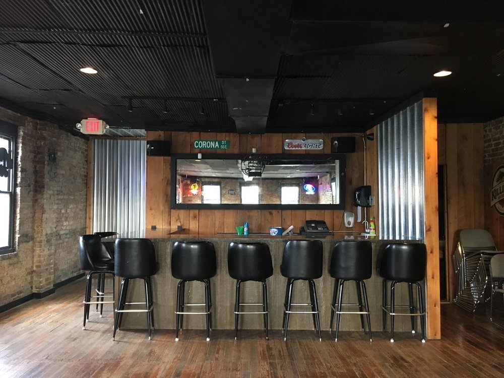 Dick's Halfway Inn: 134 S Main Ave, Ladd, IL