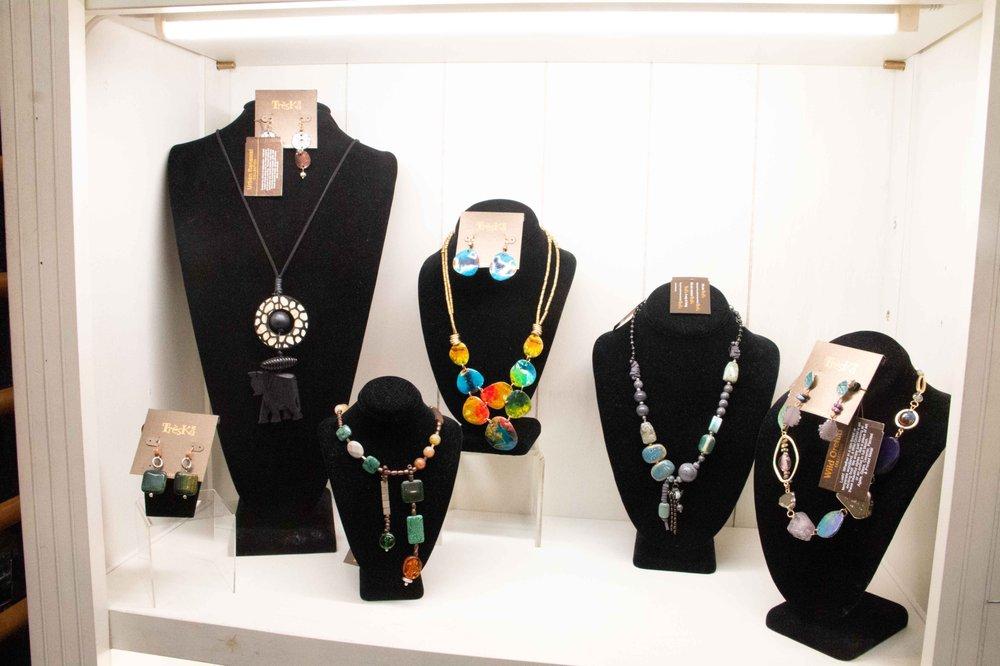Essenhaus Village Shops: 240 US Hwy 20, Middlebury, IN
