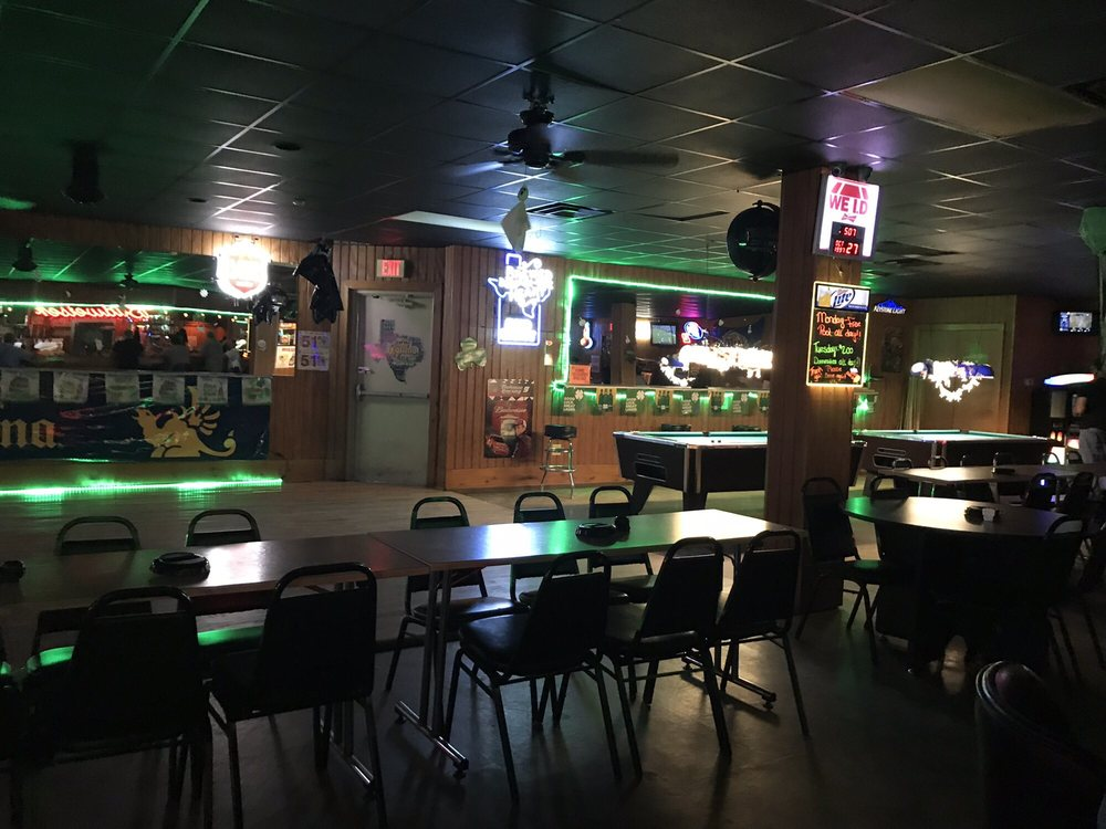 Mac Daddy's Pub: 101 E Long St, Elm Mott, TX