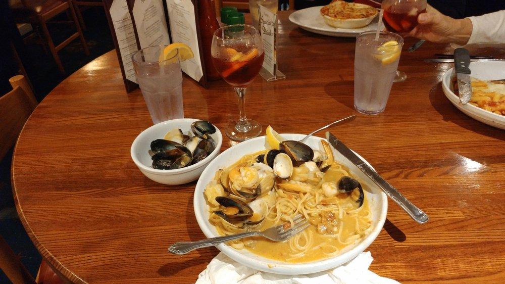 Landy's Restaurant: 1400 Aqua View Ln, Englewood, FL