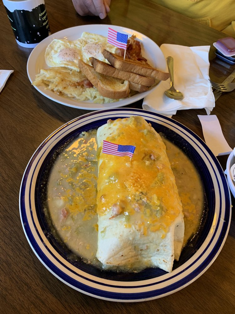 Fina's Diner: 2298 Hwy 17, Chama, NM