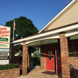 Photo Of Karen S Country Deli Cutchogue Ny United States Front On The
