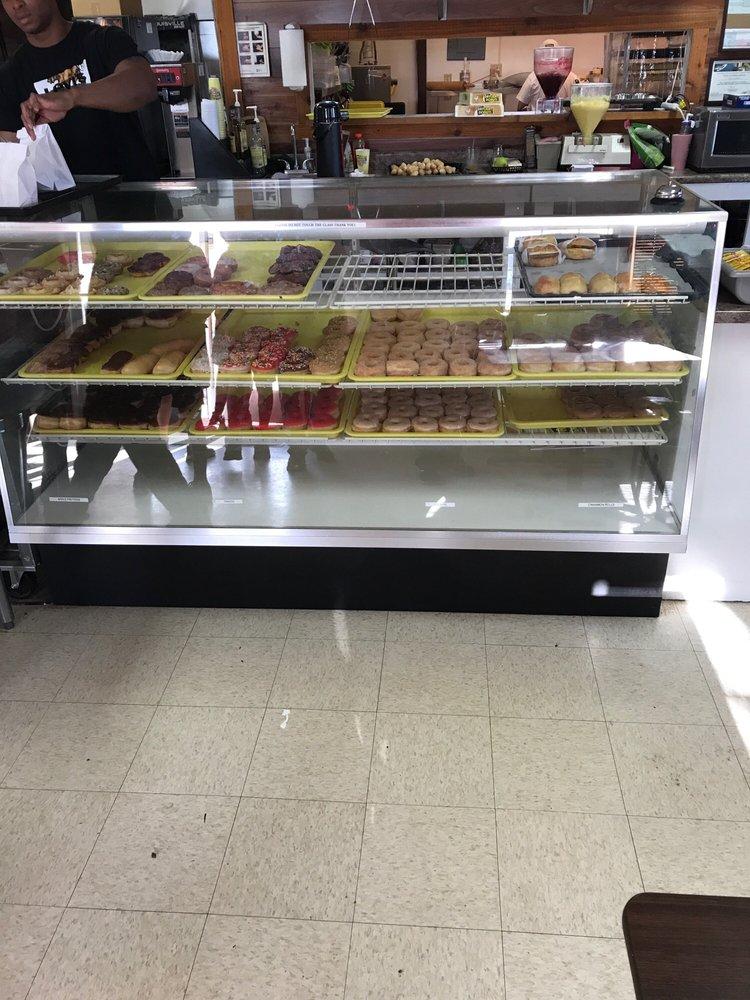 Daylight  Doughnuts: 1209 N Dumas Ave, Dumas, TX