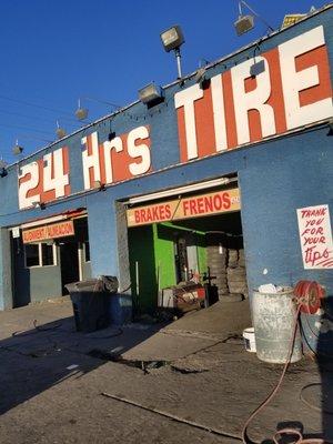 24 Hour Tire Shop 15 W Charleston Blvd Las Vegas Nv Tire Dealers