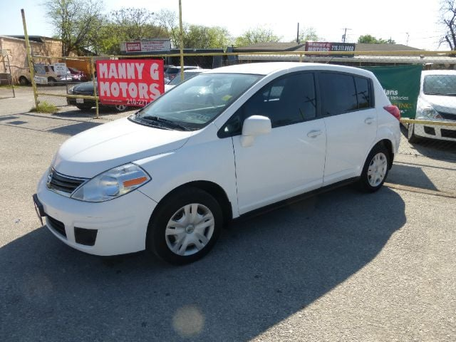 2010 nissan versa 1 8 s 4dr hatchback 4a yelp for H r motors san antonio