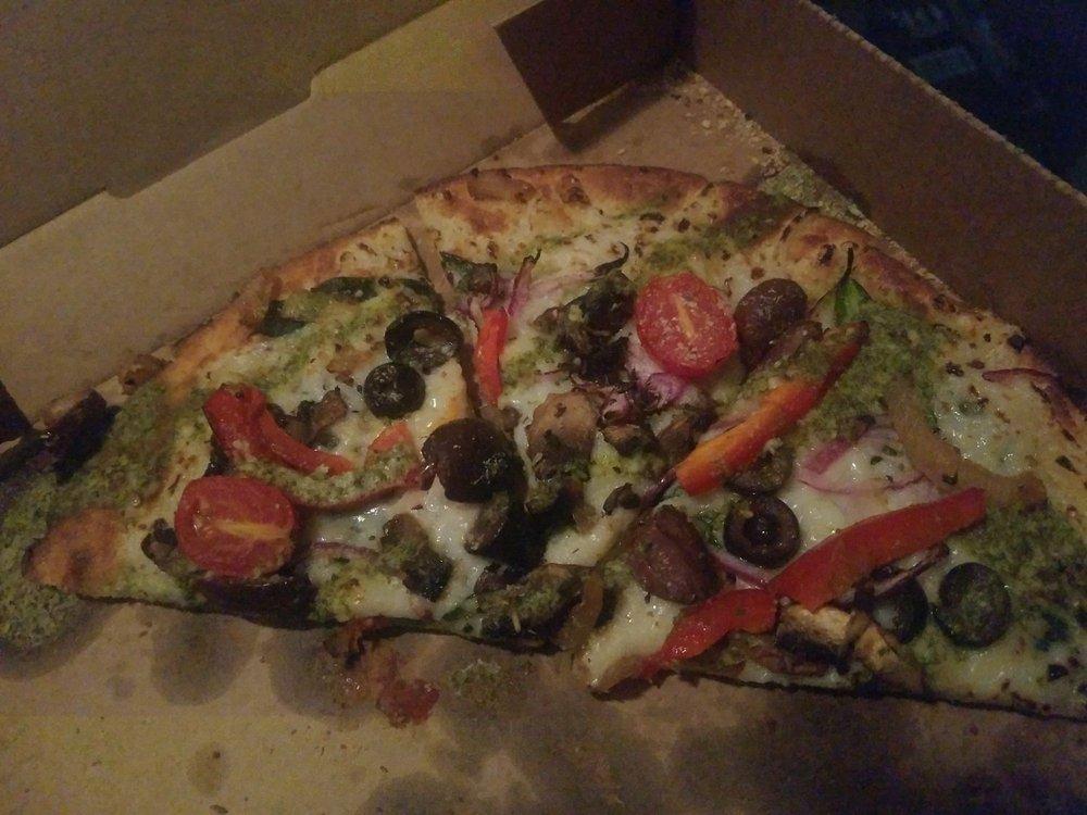 Pie Five Pizza: 10800 Bass Pro Pkwy, Little Rock, AR