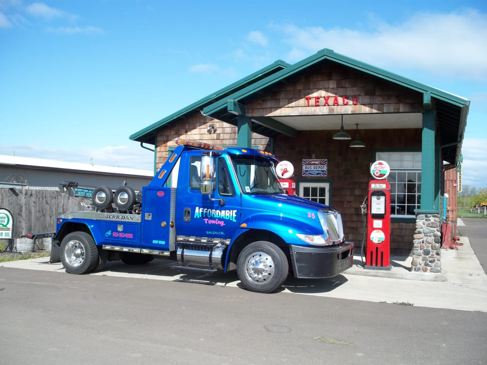 Towing business in Hayesville, OR