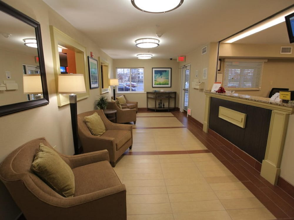 Candlewood Suites Washington-Dulles Herndon: 13845 Sunrise Valley Dr, Herndon, VA