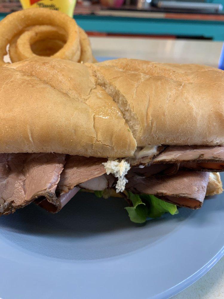 Pip's Diner: 207 Taylor St, Saco, MT