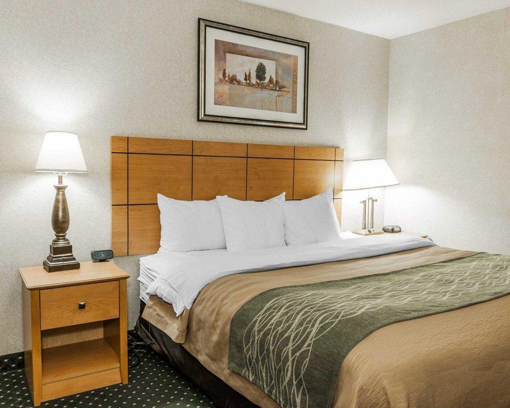 comfort inn 21 photos 12 reviews hotels 522 essex dr kokomo