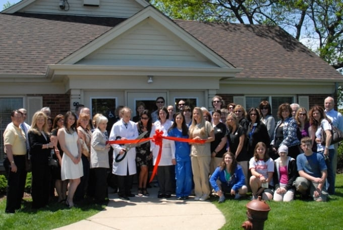 Hoffman Estates Animal Hospital: 35 Barrington Rd, South Barrington, IL