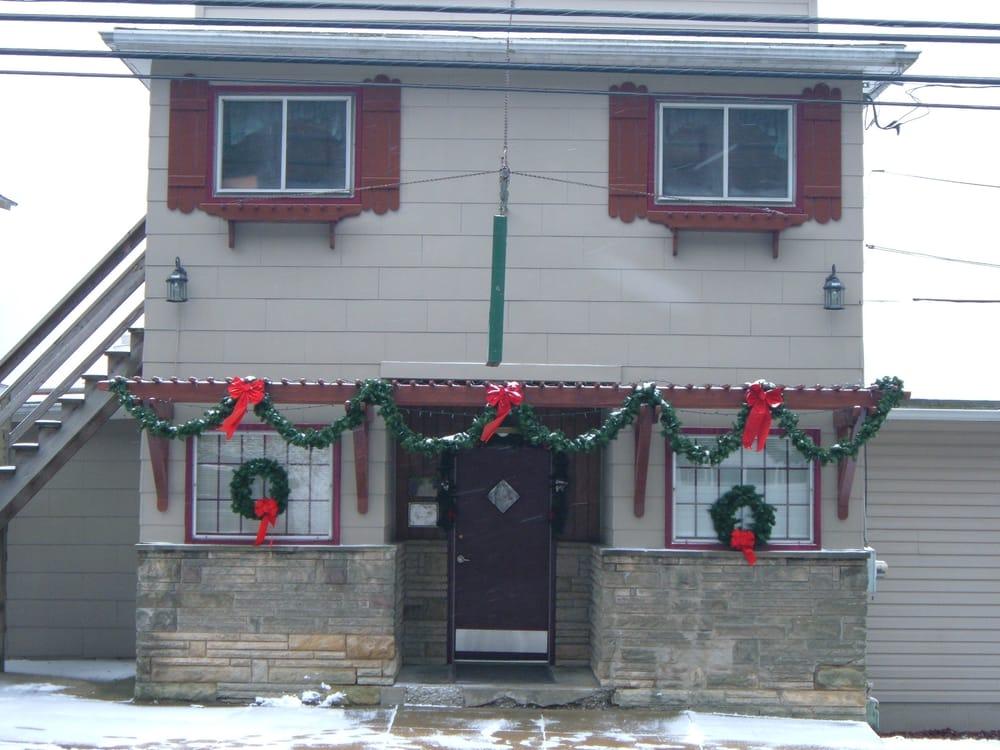 Dimaio Ristorante: 106 W Main St, Rural Valley, PA