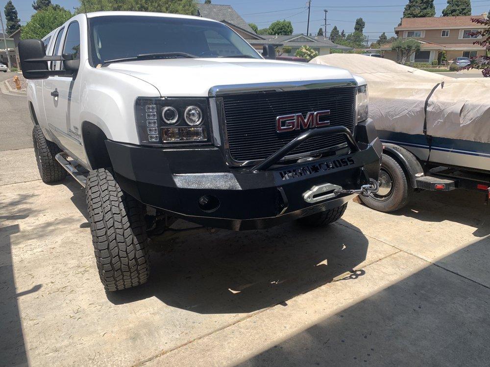 Pomp's Tire Service: 202 S Broadway, Hartington, NE