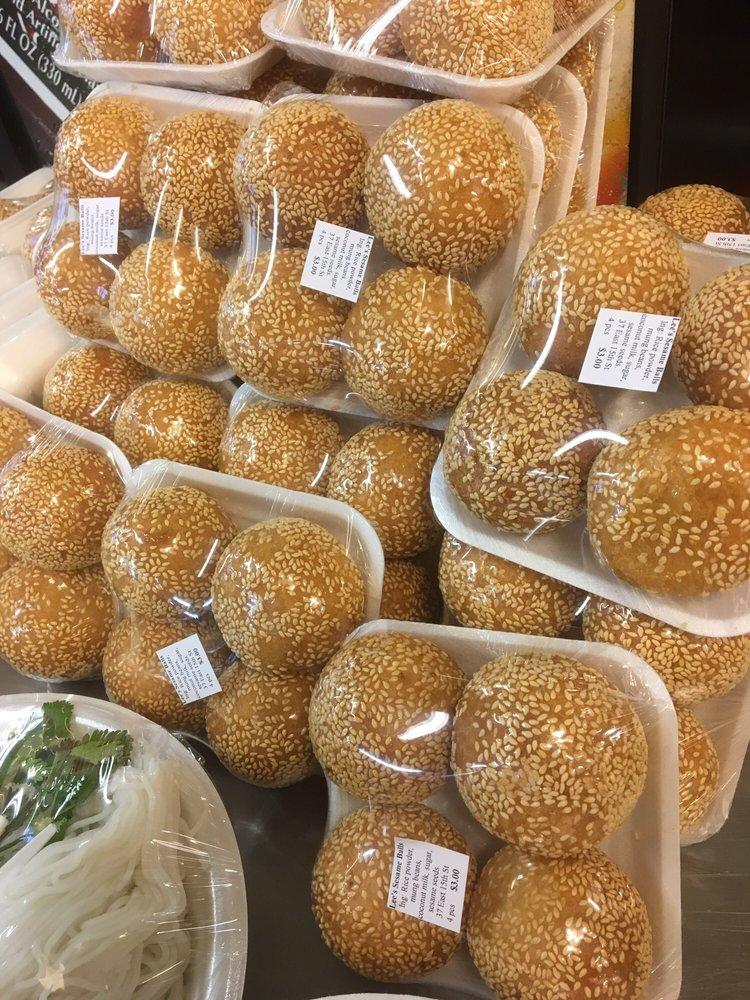 Lee's Merced Community Food Market