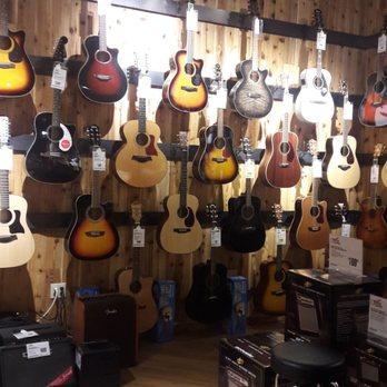 guitar center 25 photos 58 reviews guitar stores 11051 lee hwy fairfax va phone. Black Bedroom Furniture Sets. Home Design Ideas