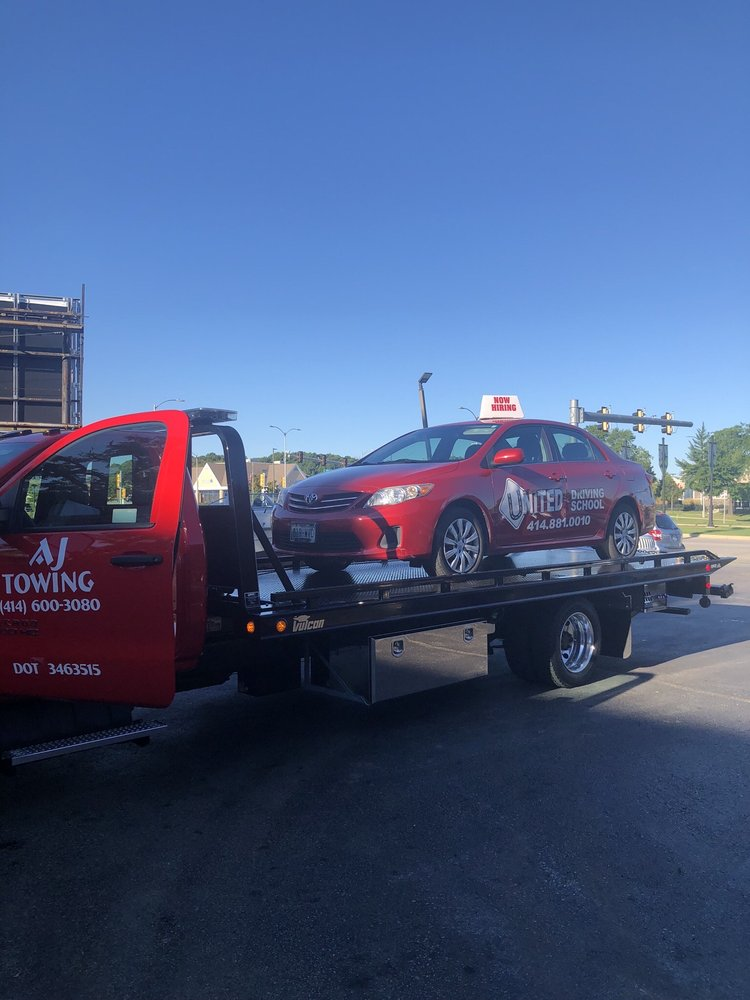 Towing business in Oak Creek, WI