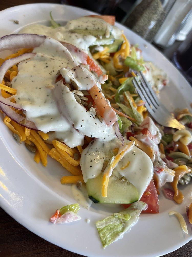 Pioneer Restaurant: 801 W Newton St, Versailles, MO