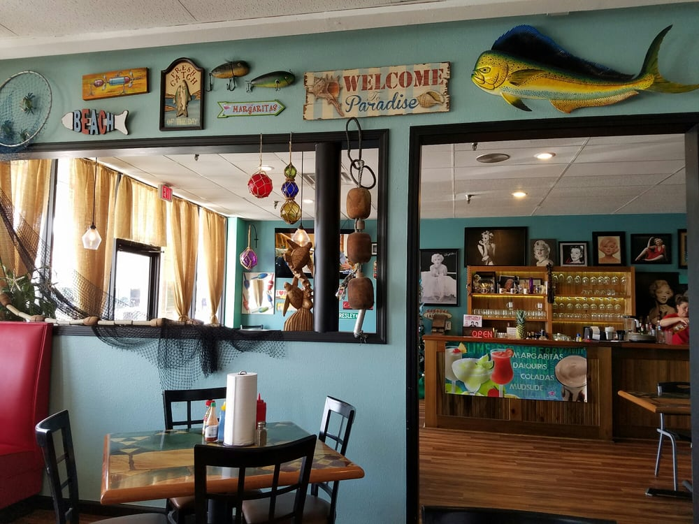 Nice interior very pleased yelp for Fish river grill gulf shores