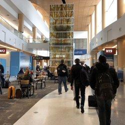 db922e03ab8 Seattle-Tacoma International Airport - SEA - 2880 Photos   2673 ...