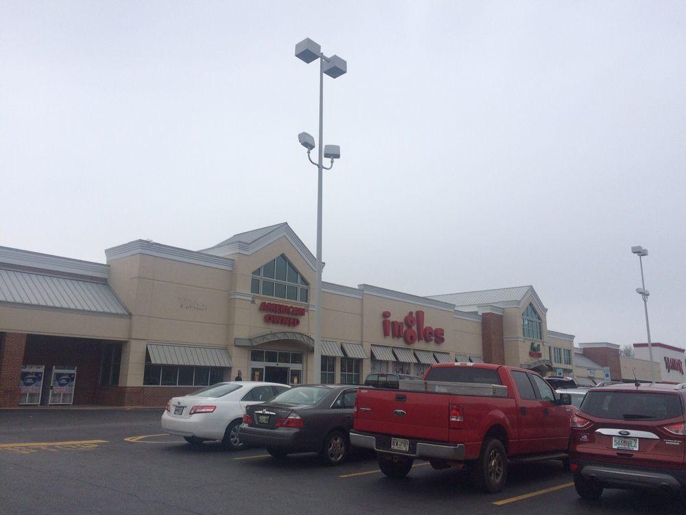 Ingles Super Market: 5679 Appalachian Hwy, Blue Ridge, GA