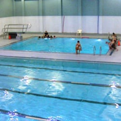 Renfrew pool fitness centre swimming pools 810 14th for Exercise pool canada