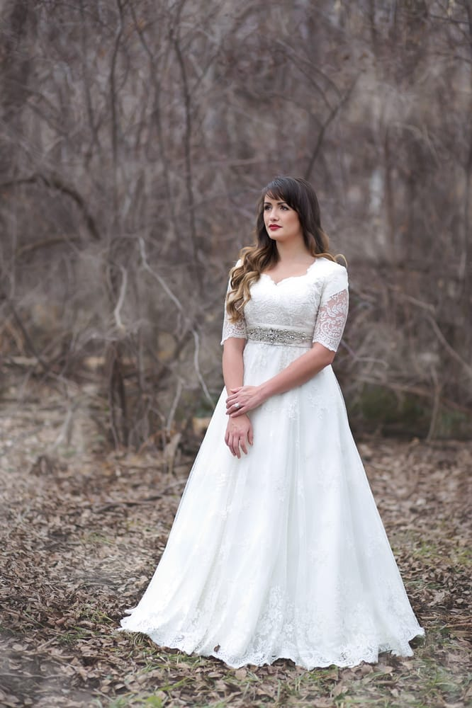 Modest Wedding Dress Rental located in Utah! Dress: Tillie+ ...