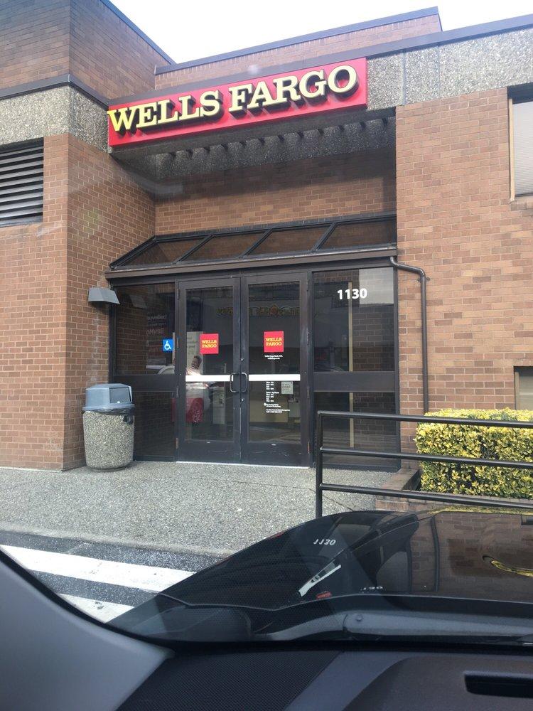 Wells Fargo Bank: 1130 Bellevue Way NE, Bellevue, WA