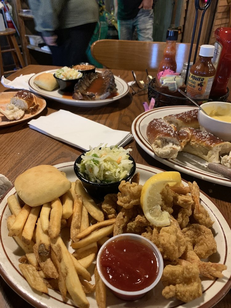 Feed Mill Restaurant: 3541 US Highway 60 E, Morganfield, KY