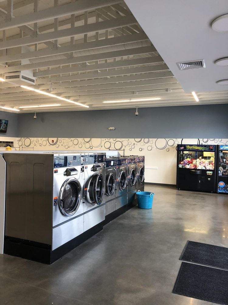 Wash 'N' Win: 103 A S Dudley St, Macomb, IL
