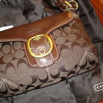 coach coin purse outlet 6o5o  Photo of Coach Factory Outlet
