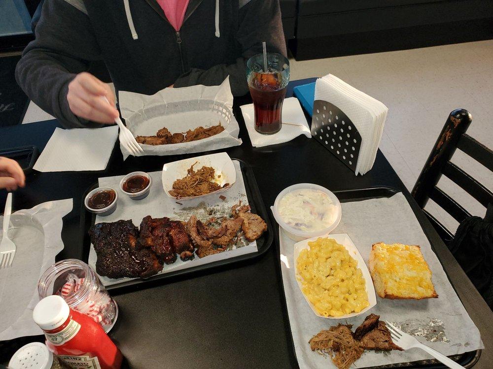 Honest Abe's Barbecue: 693 Corporate Dr, Houma, LA