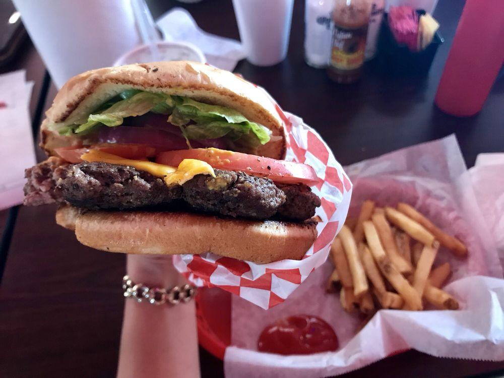 The Burger Barn: 114 Fal Hwy, Hebbronville, TX
