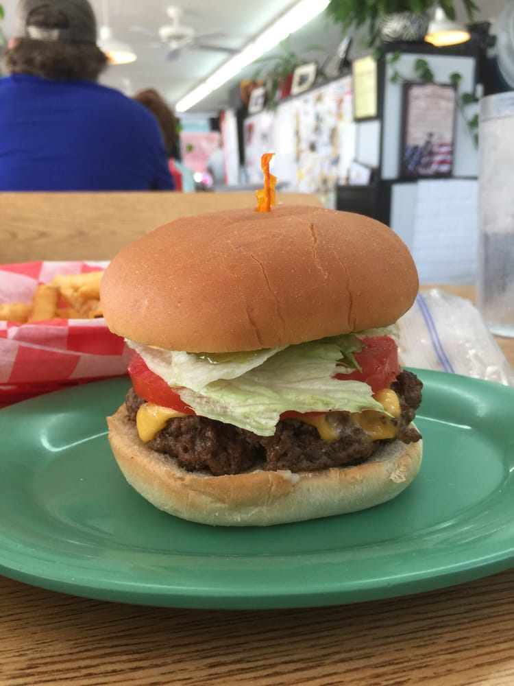 Small's-Cajun Man Drive-In Restaurant: 802 S White St, Athens, TN