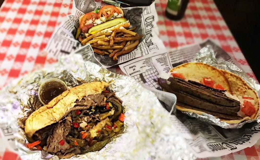 Wiseguys A Chicago Eatery - Round Rock: 3200 Greenlawn Blvd, Round Rock, TX