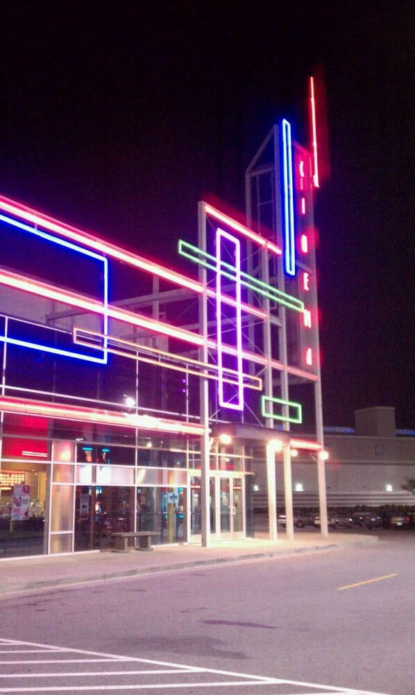 Dec 06,  · 5/3/ Queena H., thank you for the feedback, and giving Regal Cinemas Spokane Valley 12 a 4 star rating. Queena H., thank you for the feedback, and giving Regal Cinemas Spokane Valley 12 a 4 star rating. We will pass this along to our Spokane Valley 3/5(20).