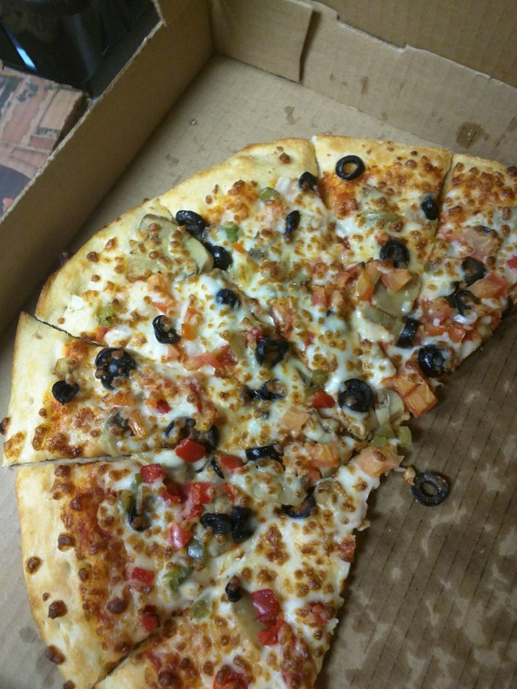West Pacific Pizza: 224 W Pacific Ave, Gladewater, TX