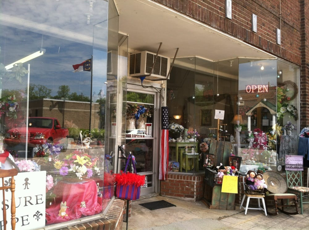 The Treasure Shoppe: 107 W Nash St, Louisburg, NC