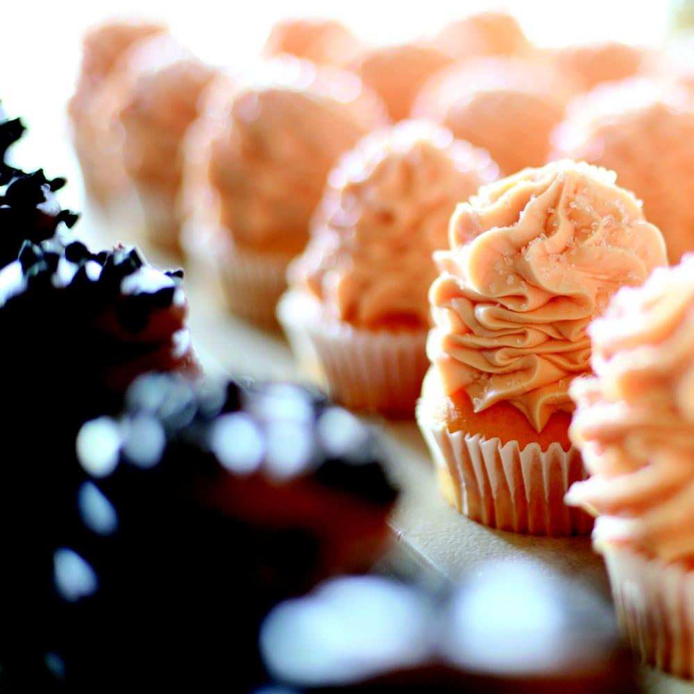 Gigi's Cupcakes of Omaha: 16811 Burke St, Omaha, NE