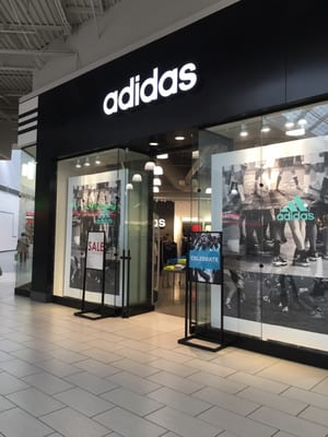 adidas Outlet 1101 Outlet Collection Way Ste 1041, Seattle Outlet  Collection Auburn, WA Sportswear Mens Manufacturers - MapQuest