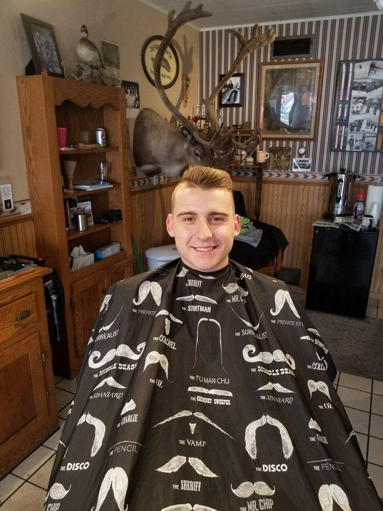 Ken's Appointment Barber Shop: 713 Rose St, La Crosse, WI
