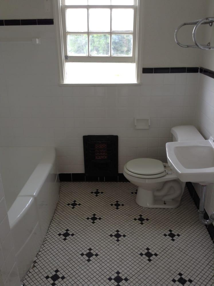 Bathroom Tile Surround And Tub Refinish After Yelp - Bathroom tile dallas