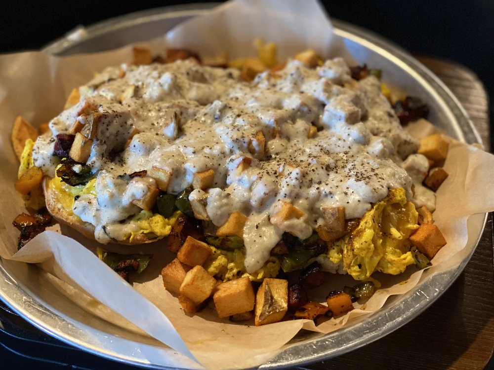 The Foxhole Eatery: 205 Main St, Hot Springs, MT