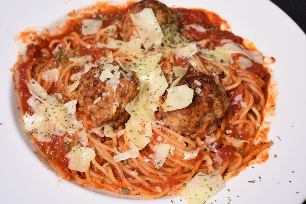 Leo's Italian Grill: 887 Hwy 21 W, Cedar Creek, TX